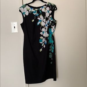 New York and Company Floral design shift dress!